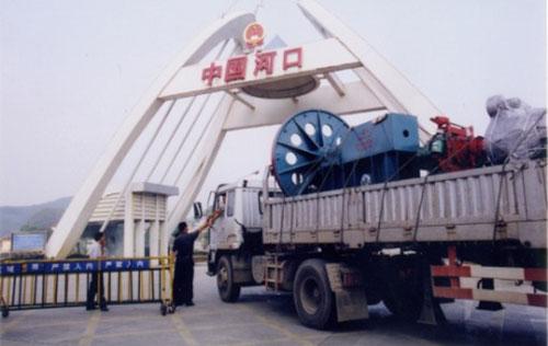 排水管钢模销往越南途径中国河口
