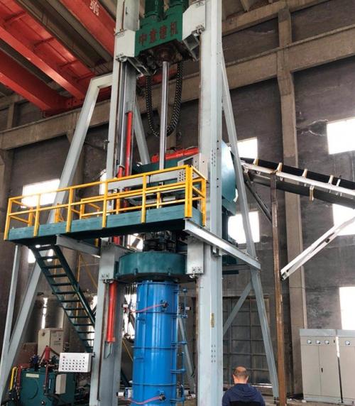 中意建机自主研发径向挤压制管机